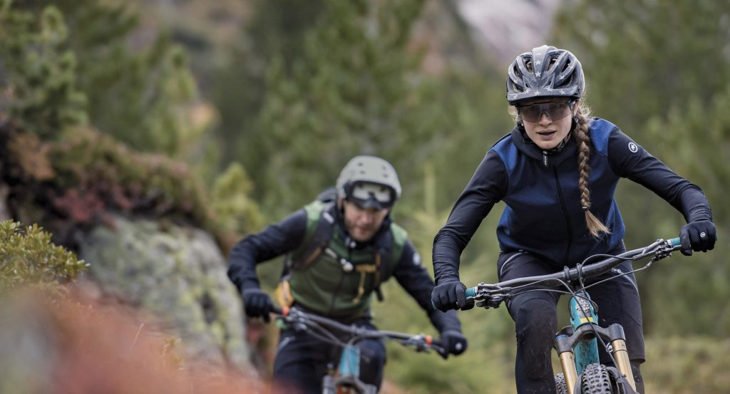 what to wear mountain biking